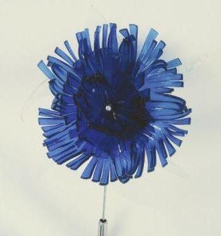 Broche – Azucena – Azul