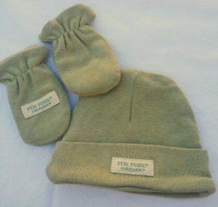 gorro-guantes-verde-bebe